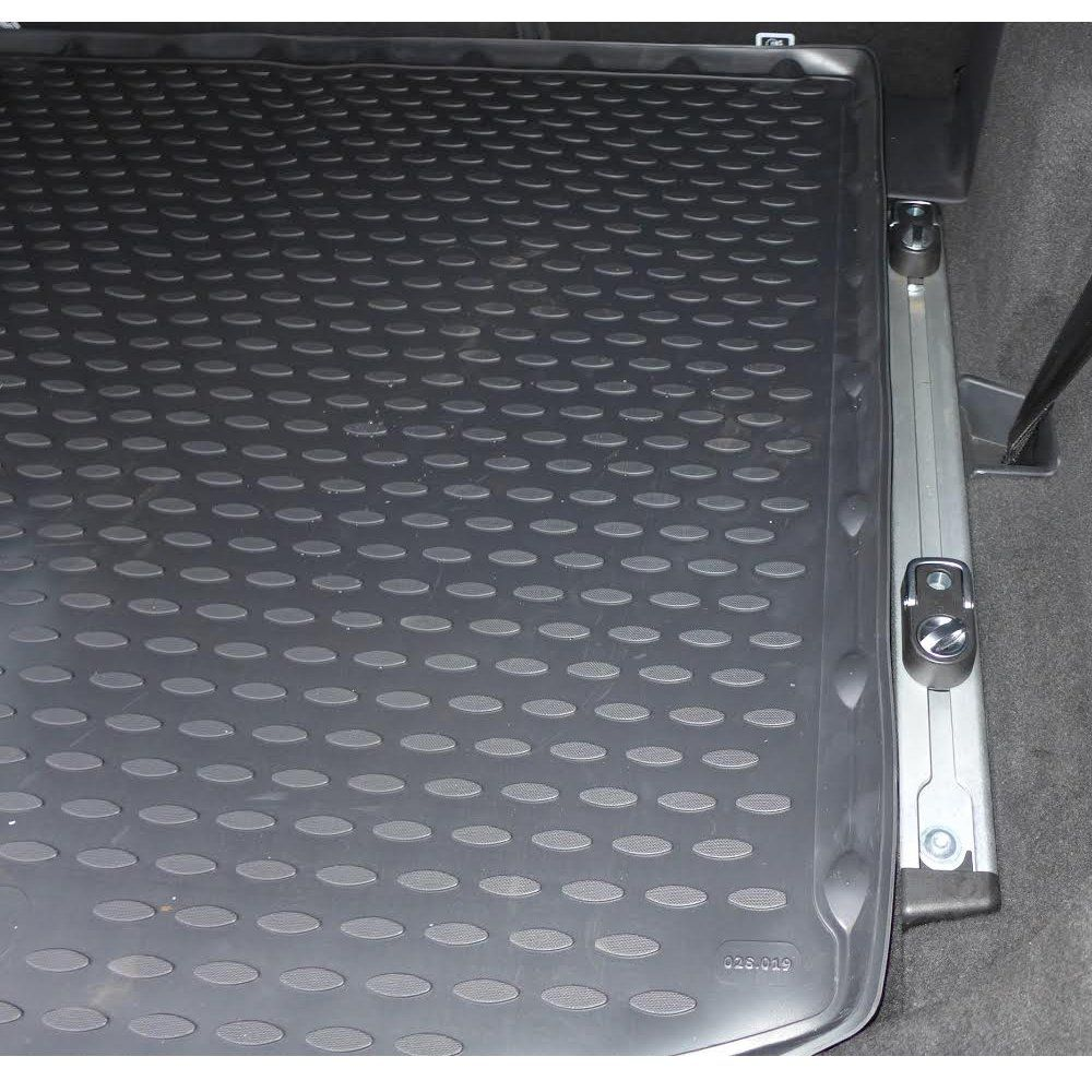 Tailored Black Boot Liner to fit Land Rover Discovery Sport (with Adaptive Mounting System) 2014 - 2020