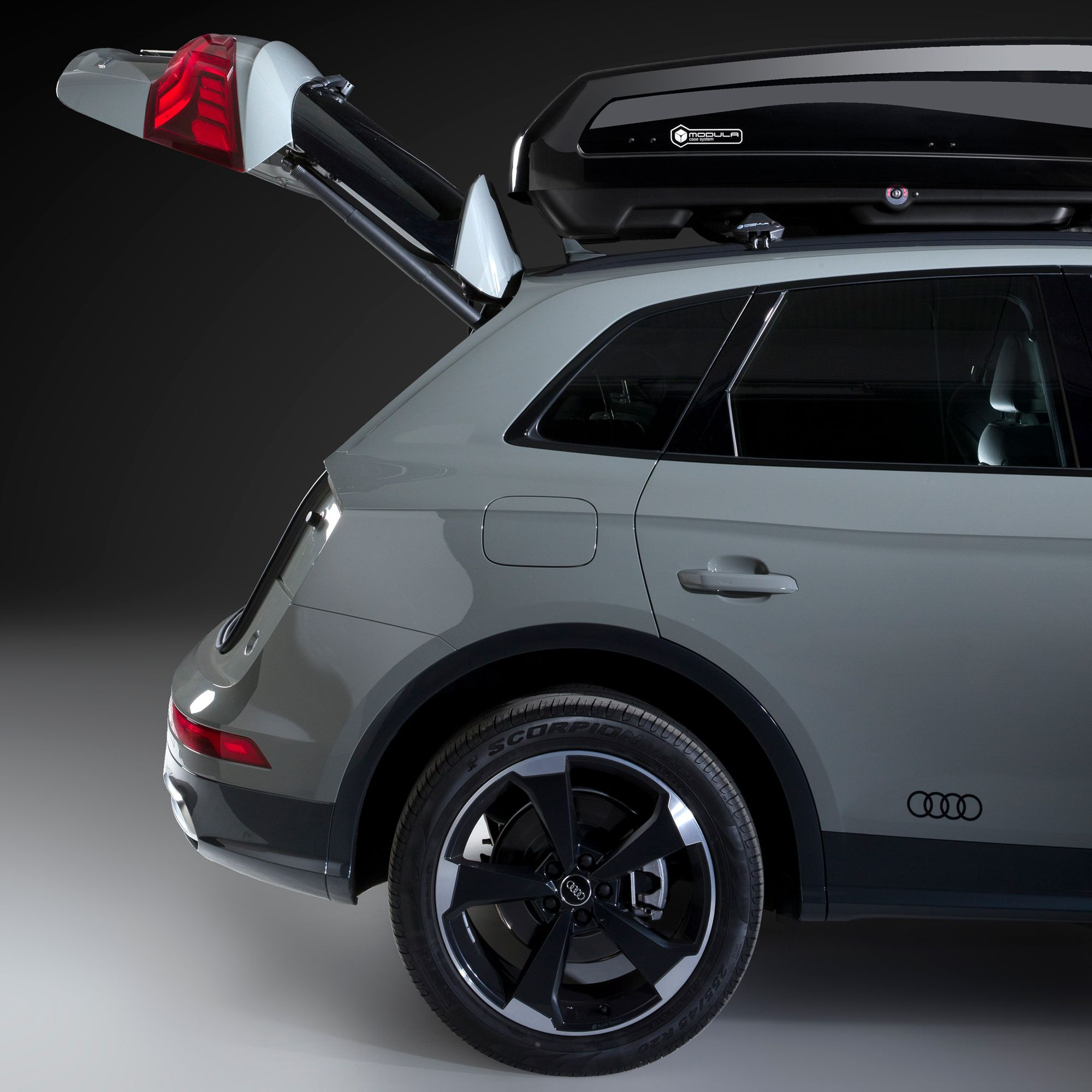 EVO 550L Gloss Black Roof Box | DriveDen UK